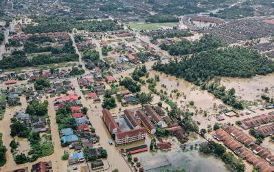 Overstromingen: tijdelijke werkloosheid te wijten aan de uitzonderlijk slechte weersomstandigheden
