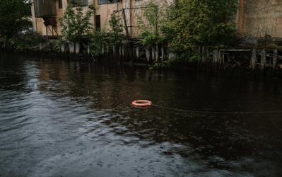 Overstromingen : vlaamse Regering en verzekeraars betalen waterschade terug